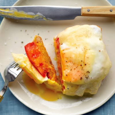 Open-Faced Egg and Tomato Sandwich