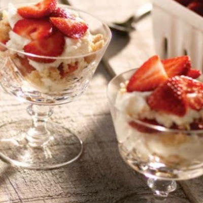 Strawberry Cream Pie Parfaits