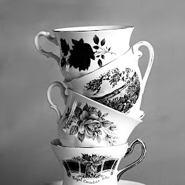 Teacups by Cynthia Linderbeck - Novices Only Objects & Still Life
