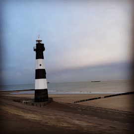 Lighthouse  by Wilfred van Tilburg - Instagram & Mobile iPhone