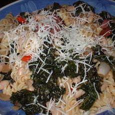 Macaroni With Kale and White Beans