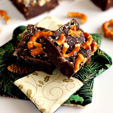 Salted Dark Chocolate Pretzel Fudge