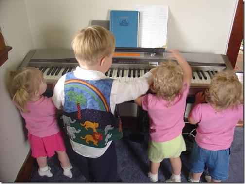DSC00440 LEGM piano