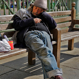 siesta... by Vernon Mata - People Street & Candids