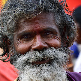 Hasmukh Baba by Rakesh Syal - People Street & Candids