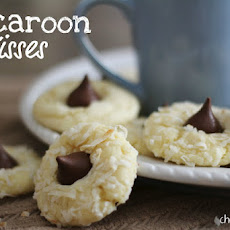 Macaroon Kisses (Almond Joy Cookies)
