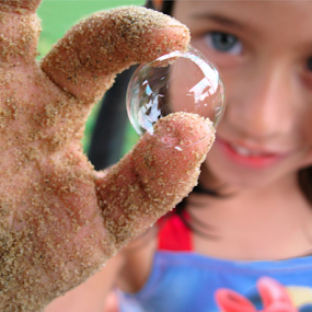 Beach Bubble by Mike Trahan - Babies & Children Children Candids ( bubble, grandchildren, zoe,  )