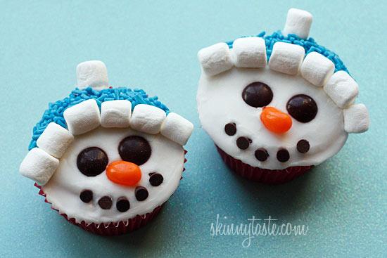 Vanilla Snowman Cupcakes with Vanilla Icing Recipe | Yummly