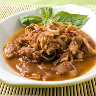 Calamari in Red Wine and Tomato Sauce