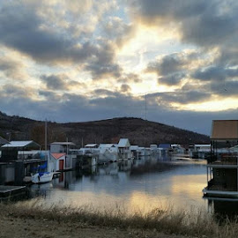 House boats on Lake Lawtonka . by Kathy Suttles - Instagram & Mobile Android