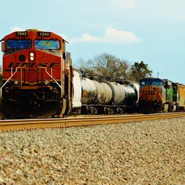 BNSF 7242, CSX 5263 by Jim Suter - Transportation Trains