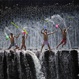 JUMP TIME !! by Arya Satriawan - People Family ( water, nature, national geographic, family, children, poeple, jump )
