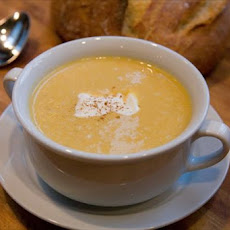 Simple Roasted Butternut Squash Cinnamon Soup