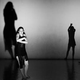 Shadow by Berci Geberle - News & Events Entertainment ( black and white, shadow, performance, contemporary, theatre, theater, shade, ballet, stage, dance )