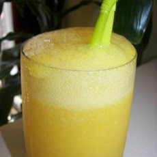 Orange & Mango Cocktail Via Susiequsie