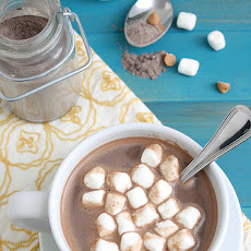 Homemade Peanut Butter Hot Cocoa Mix