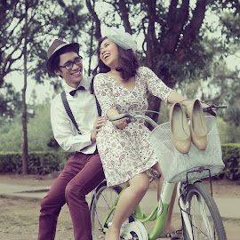 A Day for Two by JD Pascual - People Couples ( love, sweet, park, vintage, prenup )