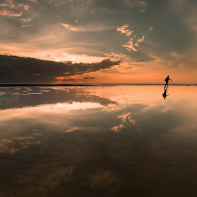 The Landscape Photographer by Christianto Mogolid - People Professional People ( lndscape, reflection, waterscape, photographer, photo )