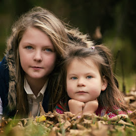 Autumn Sessions by Dominic Lemoine Photography - Babies & Children Child Portraits ( lying, teen, ground, leaves, siblings )