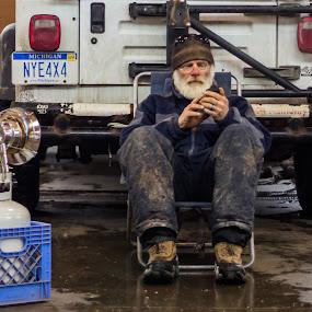 Break by Jarrod Kudzia - People Street & Candids ( michigan, market, cold, farmer, detroit )