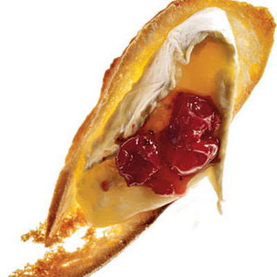 Baked Brie With Cran-Apple Chutney