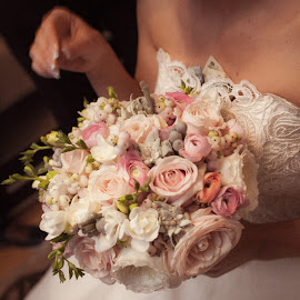 by Nicolae Matic - Wedding Details ( bouquet, macro, detail, wedding, love proof, flowers,  )