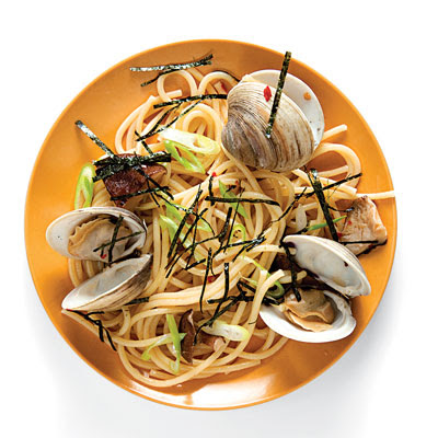 Japanese-Style Linguine with Clams
