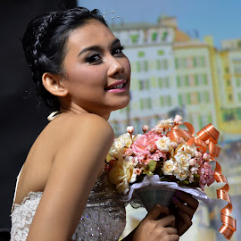sripotret-MODEL OUTSIDER@Starlite booth Focus 2014 by Sri Potret - Wedding Bride ( model, wedding, bride, photo wedding )