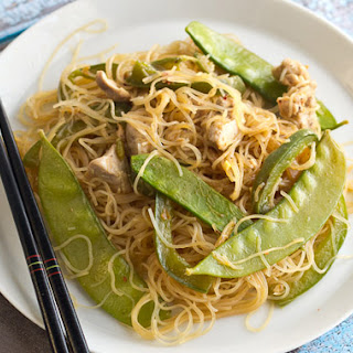 Stir Fried Noodles with Chicken and Snow Peas