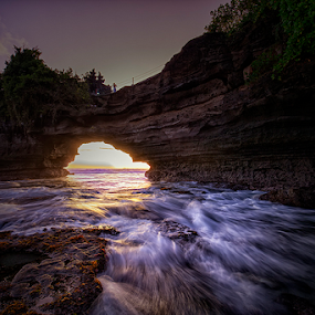 Batu Bolong Temple by Nyoman Sundra - Landscapes Sunsets & Sunrises ( bali, sunset, beach, sunrise, landscape, tabanan,  )