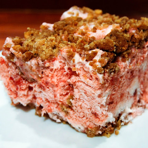 Frozen Strawberry Crumble Cake