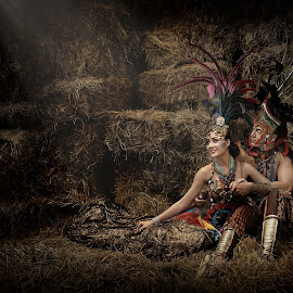 Tribal Love by Crispin Lee - People Couples