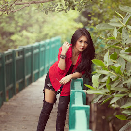 Red Girl by Jhonny Yang - People Fashion