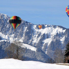 In the air by Konstanze Singenberger - Transportation Other ( mountain, snow, ballon )