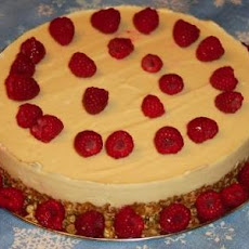 Lemony Cheesecake With Berry Sauce (Raw Vegan)
