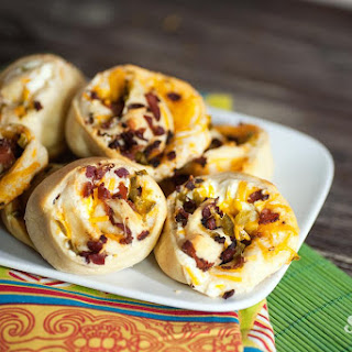 Cheesy Bacon Jalapeño Pinwheels