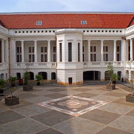 view of the central courtyard museum Indonesian bank by Hartono Wijaya Toraja - Buildings & Architecture Other Exteriors ( exterior, indonesia, jakarta )