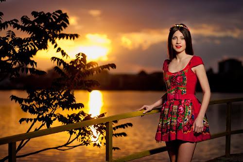 Gabriela Banica by Ciprian Alin - People Fashion ( canon, 5d mark ii, f2.5, iso 640, 85mm )