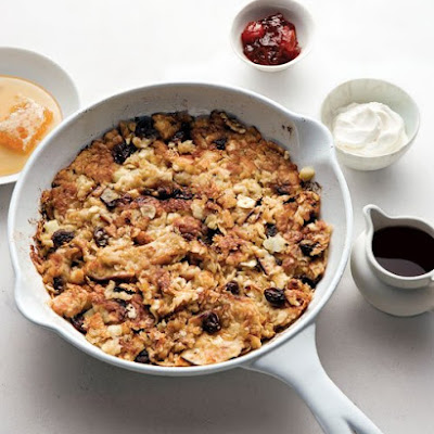Skillet Matzo Brei with Cinnamon, Apple, and Raisins