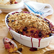 Peach-and-Blueberry Crispy Crumble