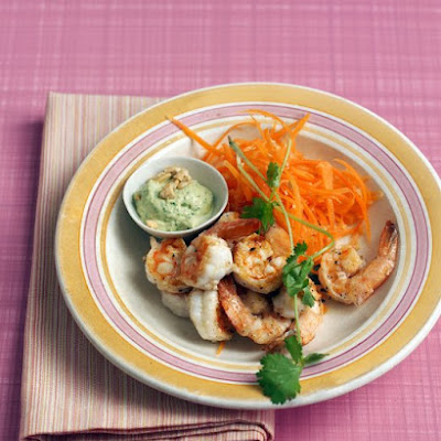 Pan-Fried Shrimp with Green Curry Cashew Sauce