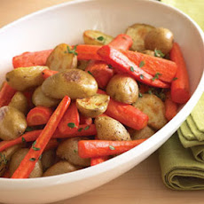 Oven-roasted Potatoes and Carrots with Thyme