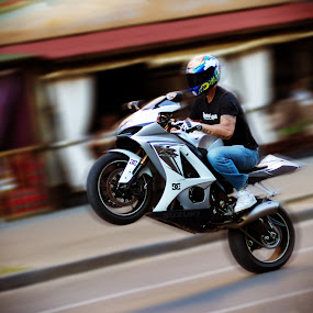 Biker extremals in the City by Valentyn Kolesnyk - News & Events World Events ( the biker, street, sport, stunt, city )