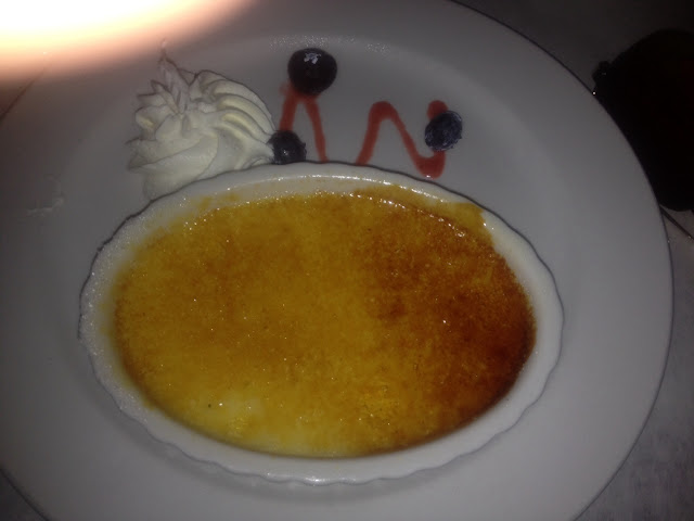 They have flourless chocolate cake or Creme Brûlée as GF dessert options.