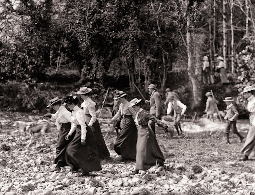 Women participating in otter hunt, Curraghmore, Portlaw, Co. Waterford, May 1901. (PWP 334).