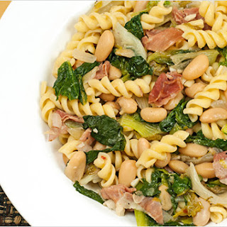 Rotini With Escarole, White Beans and Prosciutto