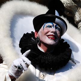 Venice by Serena Zilio - People Musicians & Entertainers ( venezia, italia, carnival, colorful, venice, italy )
