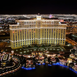 Bellagio, Las Vegas by Steve Griffiths - Buildings & Architecture Office Buildings & Hotels ( las vegas, bellagio, night, usa, gambling )