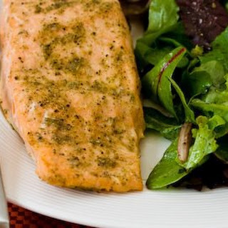 Roasted Salmon with Rosemary-Garlic Rub