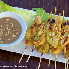Chicken Satay Skewers with Spicy Thai Peanut Dipping Sauce